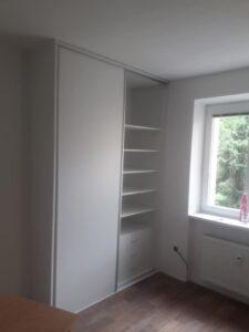 Šatní skříň bílá Pardubice